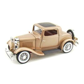 Road Signature Road Signature 1932 Ford 3-Window Coupe Gold 1:18 Scale Diecast Model Car