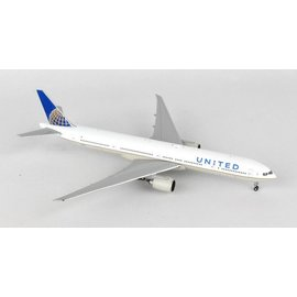 Gemini Jets Gemini Jets United Airlines Boeing B777-300ER 1:400 Scale Diecast Model Airplane