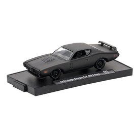 M2 Machines M2 Machines Auto Drivers Frozen Black Pearl Series Release 41 1971 Dodge Charger R/T 440 1:64 Scale Diecast Model Car