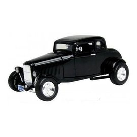Motor Max 1932 Ford 5 Window Coupe in Black Motor Max 1:18 Scale Diecast Model Car
