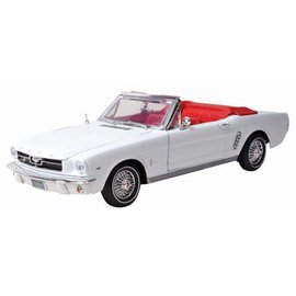 Motor Max 1964 1/2 Ford Mustang Convertible White Motor Max Platinum Collection 1:18 Scale Diecast Car