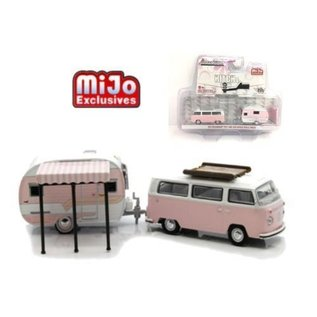 Greenlight Collectibles Greenlight 1974 Volkswagen Type 2 And 1958 Catolac Deville Trailer Hitch & Tow MiJo Exclusive 1:64 Scale Diecast Model Car