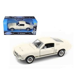 Welly Die Casting Welly 1967 Ford Mustang GT White 1:24 Scale Diecast Model Car