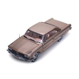Sun Star Sun Star 1963 Ford Galaxie 500 XL Hardtop Rose Beige 1:18 Scale Diecast Model Car