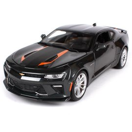 Maisto Maisto 2017 Chevrolet Camaro Fifty Gray 1:18 Scale Diecast Model Car