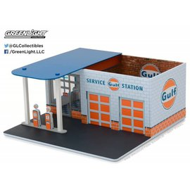 Greenlight Collectibles Greenlight Vintage Gas Station Gulf 1:64 Scale Diecast And Plastic Model Diorama