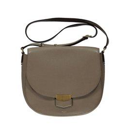 a36d286a24c6 Céline SOLD - Céline Taupe Medium Trotteur Shoulder Bag