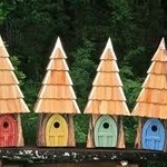 - HEARTWOOD LORD OF THE WING BIRDHOUSE