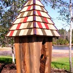 - HEARTWOOD VINTAGE BLUEBIRD HOUSE