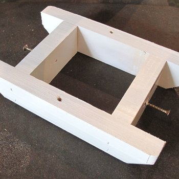 -WOODY'S PAINTED BRACKET FOR 4X4 POST
