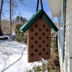 - HILLTOP SMALL RECYCLED PEANUT BUTTER FEEDER