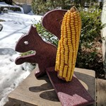 - HILLTOP RECYCLED MR. SQUIRREL CORN COB FEEDER