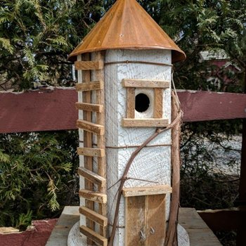 "- N.C. RUSTIC ""SILO"" BIRD HOUSE WHITE W/TIN ROOF"