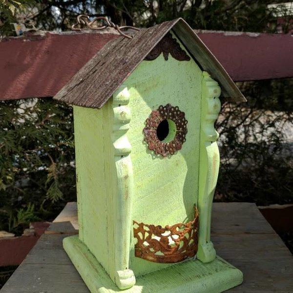 - NATURE CREATIONS RUSTIC WREN HOUSE WITH FILIGREE AND TIN ROOF MINT