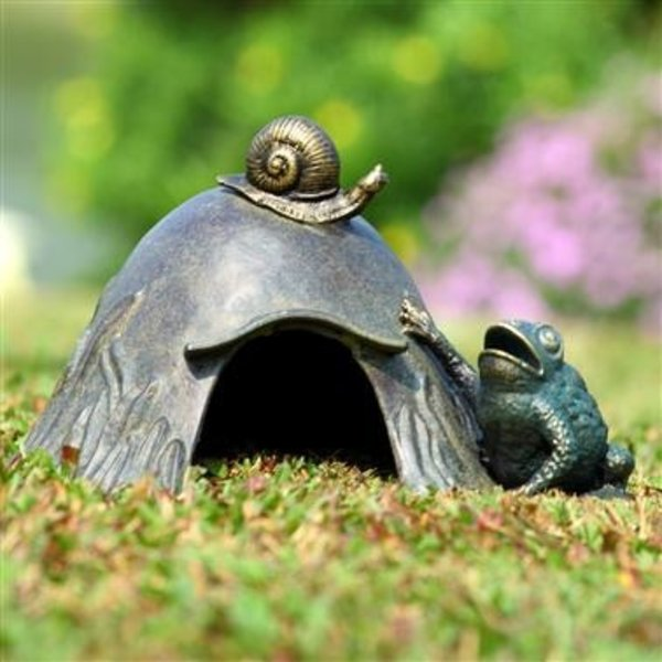 - SPI TOAD HOUSE WITH SNAIL