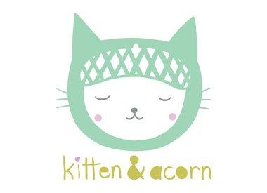 Kitten & Acorn