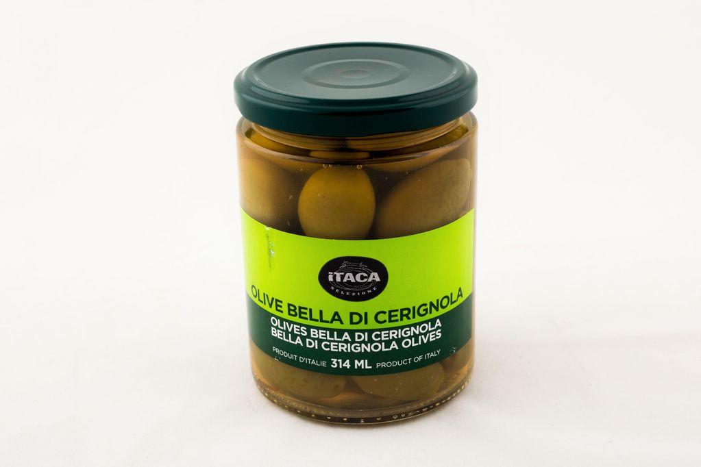 Olives vertes avec noyaux