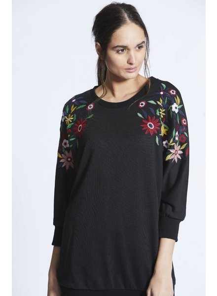 Angel Eye Haley Embroidery Sweater