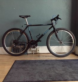 Trek 930 Single Track 17 in Black