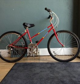 Schwinn Mesa Runner 17 in Red