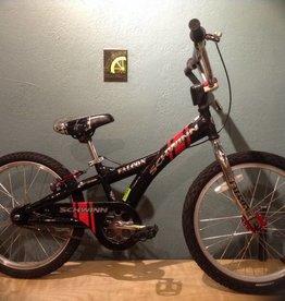 Schwinn Falcon 20 in Kids Bike Black