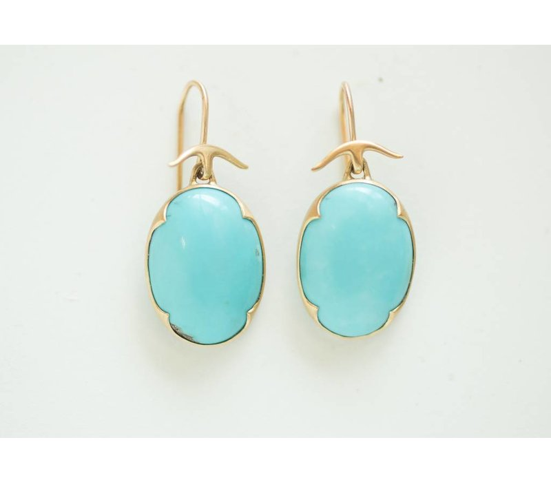 more arpels b alhambra turquoise of collectibles pair jewelry furniture cleef collectible f a and van assay at french curiosities each the id bearing earrings