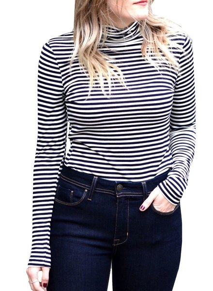 SOYA STRIPE TURTLENECK