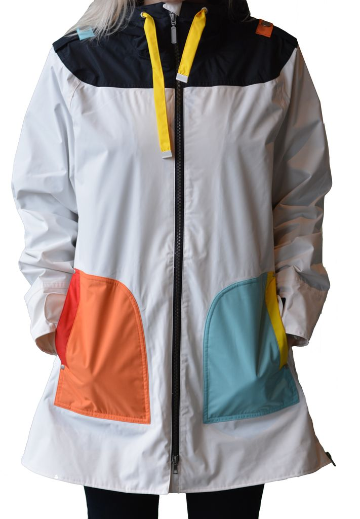 BLAEST RAINCOAT