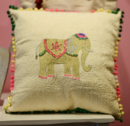 A&B ELEPHANT CUSHION