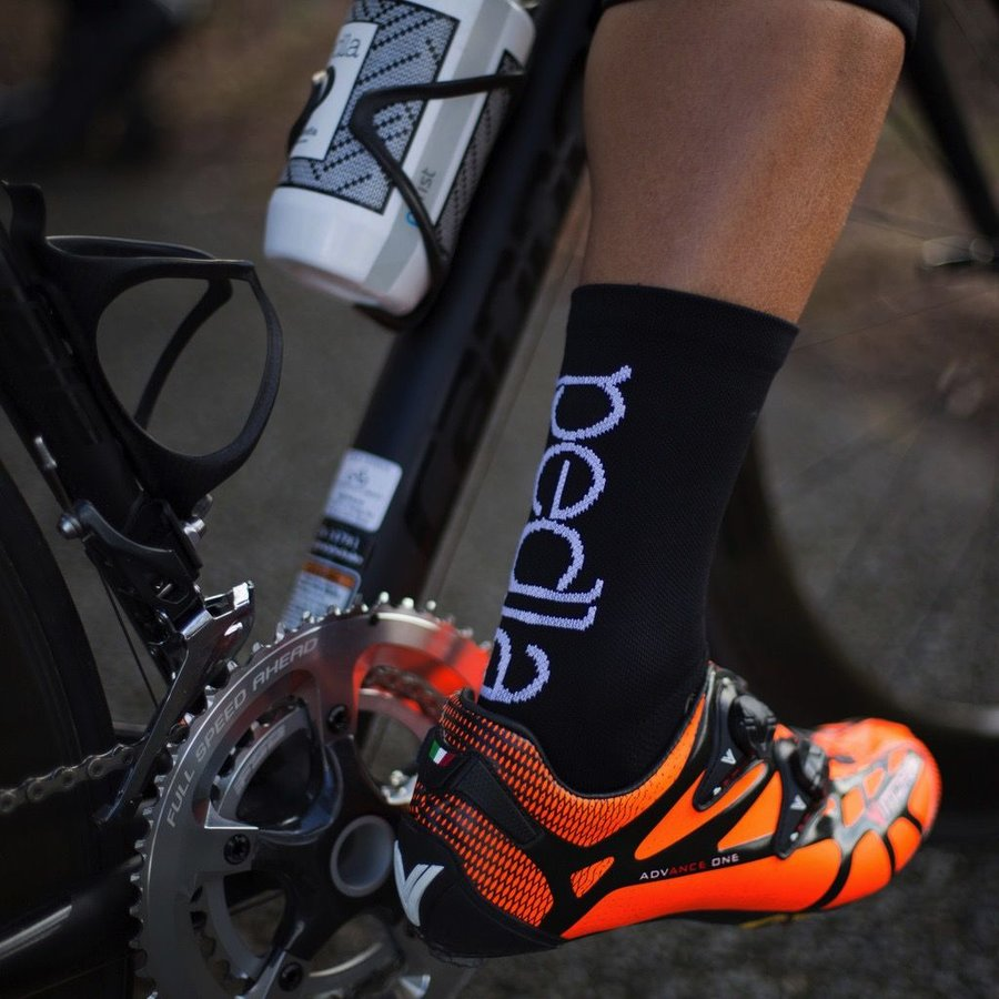 The Pedla - Spinners sock is a constructed from a core-spun COOLMAX fabric containing unsurpassed moisture management and LYCRA sport stability. Using the latest in knitting machines - the sock is specifically engineered so that the COOLMAX fabric is con