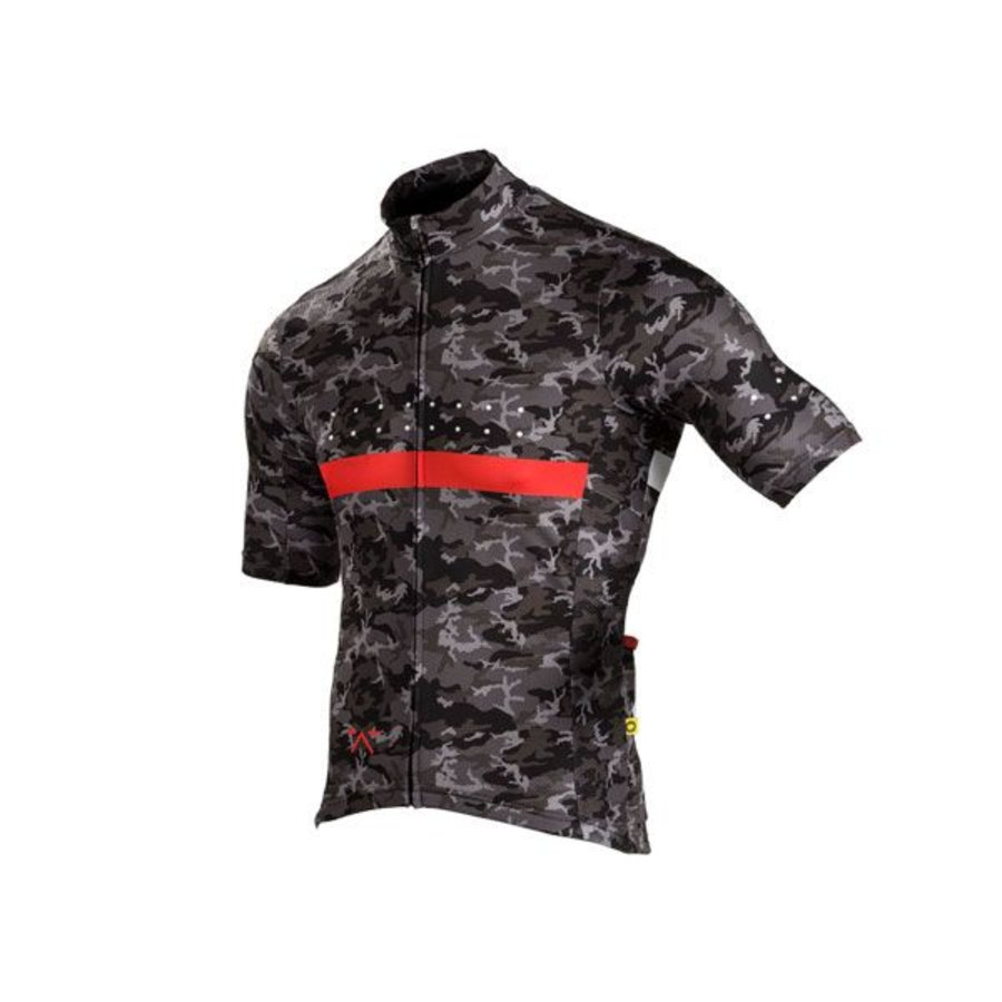 The Pedla - Full Gas - Pro race cut short sleeve jersey with 4.5CM Extended Sleeve Length is anatomically shaped to fit closly to the body. Constructed from a  super lightweight Dimple Dry Aero fabric, this set-in-sleeve jersey uses the latest in quick-dr