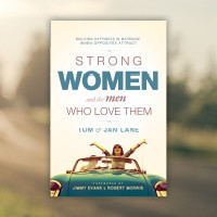 GATEWAY PUBLISHING Strong Women Paperback