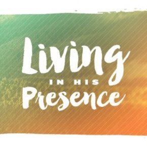 Living in His Presence CDS
