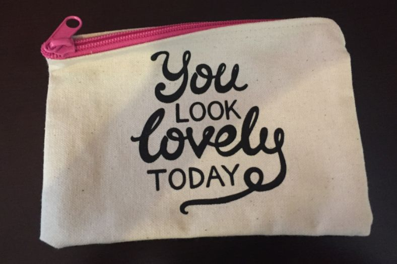 A GREAT IDEA! Makeup Bag - You Look Lovely