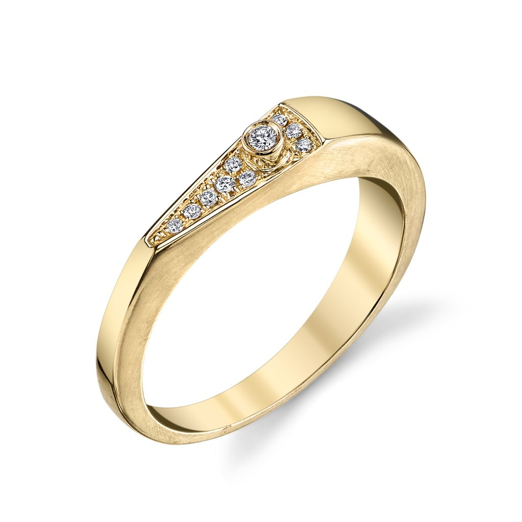 18K Yellow Gold, Pave Diamond &quot;V&quot; Band<br />