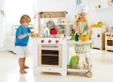 Kitchen/House Play