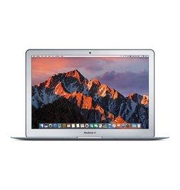 Apple 13-inch MacBook Air: 1.8GHz dual-core Intel Core i5, 8GB 256GB
