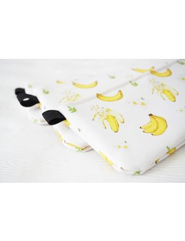 Joannie Houle Bananas pouch