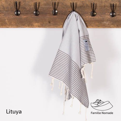 Famille Nomade Lituya Hand Towel