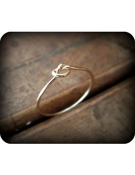 Le Cubicule Gold Filled Regular Knot Ring