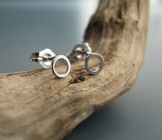 Le Cubicule Boucle d'oreilles mini cercles argent