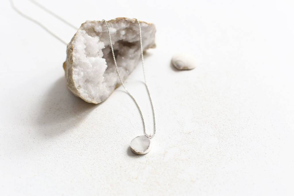 Si Simple Crystal Necklace