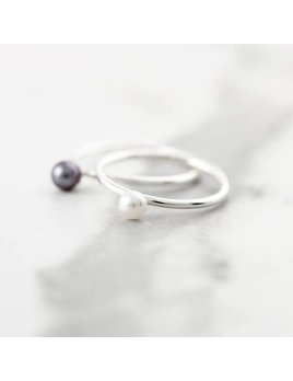 Le Cubicule Black Pearl Silver Ring