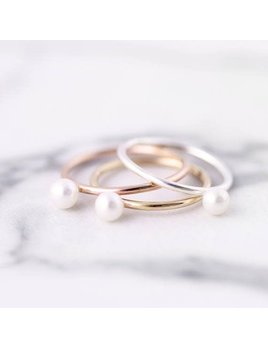 Le Cubicule White Pearl Gold Ring