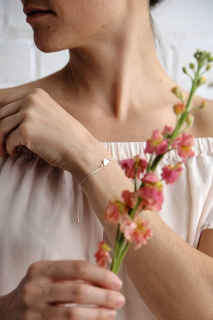Si Simple Full Heart Bracelet - Natural