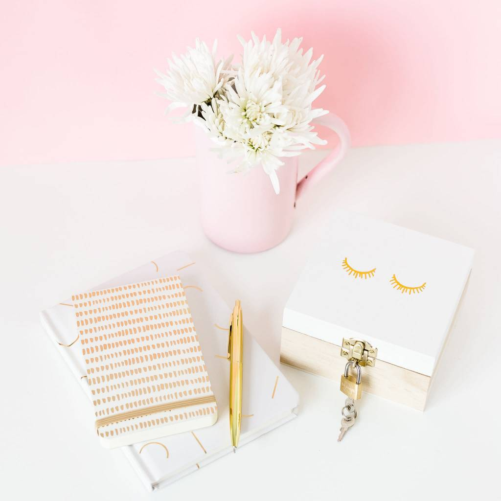 Designworks ink Gold Small Dots Pad