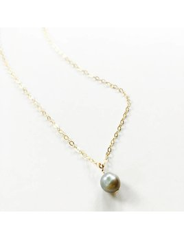 L'AUNE Grey Pearl Delicate Necklace