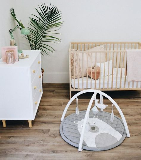5 decor musts for a baby's room