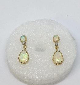 14Kt Opal Earrings