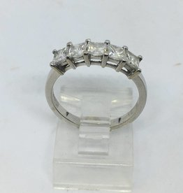 C 14kt 5 Stone Princess Cut Diamond Band approx 1.25ctw